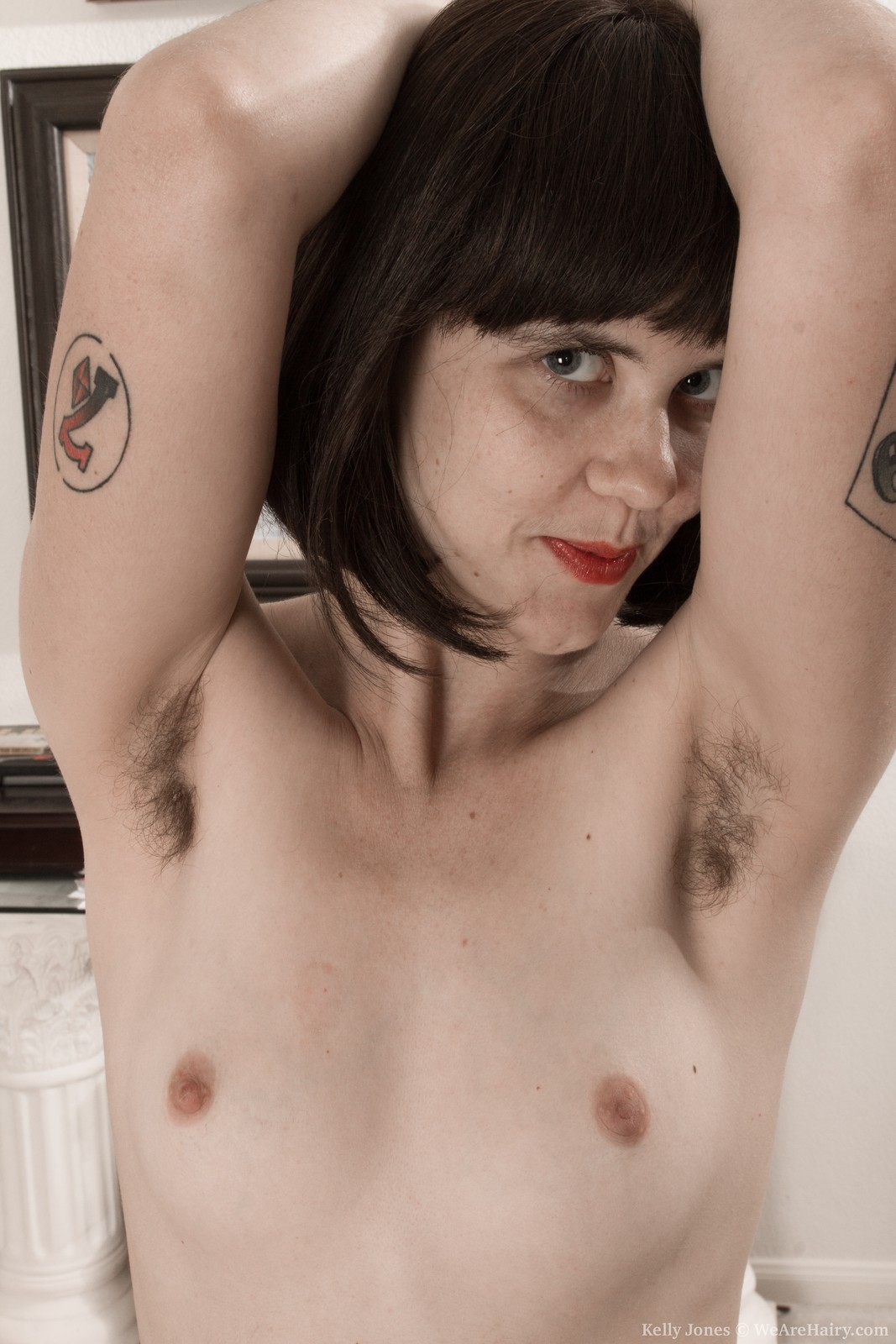 babes-with-nude-armpits